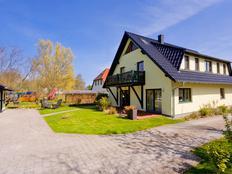 Haus am Wasser-FEWO Schafberg in Middelhagen