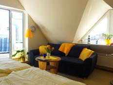 3 Sterne - Ferienwohnung HEIN mit Balkon in Warnemünde