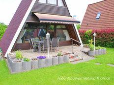 Zeltdachhaus direkt im Ferienpark Ostseebad Damp in Damp