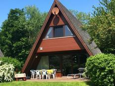Ferienhaus zum Ostseestrand, WLAN! in Damp