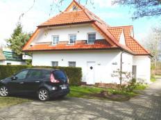 Ferienwohnung in Zingst mit 30 m² West-Terrasse / Rasen in Zingst