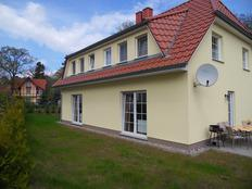 Strandnahes Ferienhaus in Kölpinsee