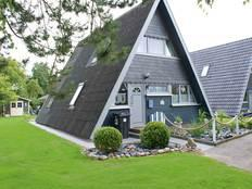 Zeltdachhaus mit viel Platz - ruhig und strandnah - mit Strandkorb in Damp