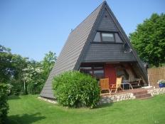 gemütliches Zeltdachhaus in Damp