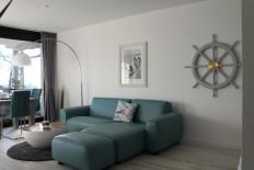 Villa Miramare moderne Ferienwohnung, Balkon, WLAN, Garage, Saison Strandkorb!! in Travemünde