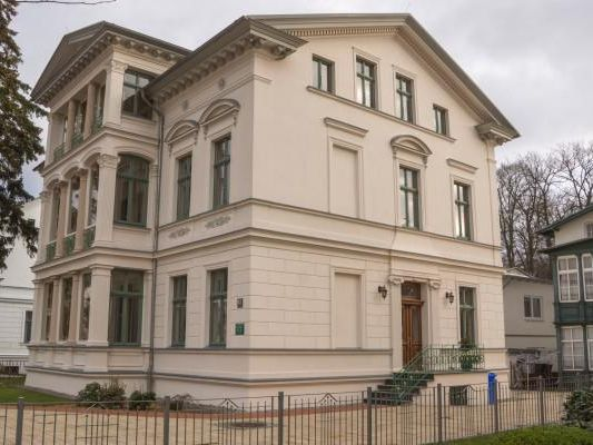 villa stock in heringsdorf ostseeklar. Black Bedroom Furniture Sets. Home Design Ideas