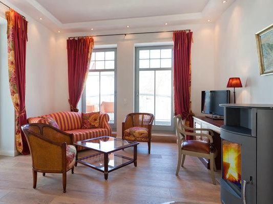 villa theres wohnung augusta in sellin ostseeklar. Black Bedroom Furniture Sets. Home Design Ideas